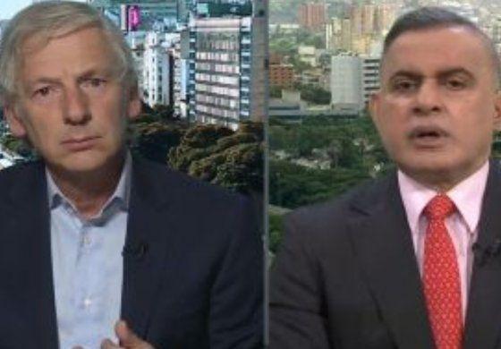 Las dudas del fiscal general chavista ante la pregunta de un periodista: ¿El régimen no se atreve a detener a Juan Guaidó?