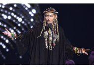 madonna arregla su actuacion desafinada en eurovision
