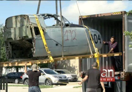 Recuperan y traen a Miami  histórico avión de la brigada 2506 empleado en la invasión de Bahía de Cochinos