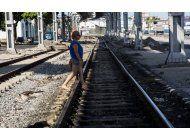 cuba trata de revivir su decrepita red ferroviaria