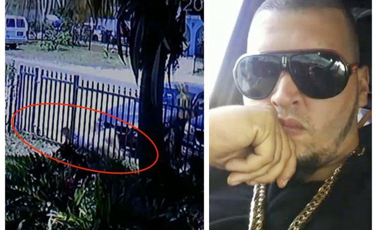 Salen a la luz las imágenes del momento cuando asesinan a tiros a joven cubano en Opa-locka para robarle su cadena y su iPhone
