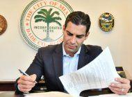 comision joe carollo propone que francis suarez trabaje a full-time como alcalde