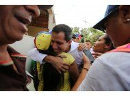 venezuela: investigan a 2 allegados de guaido por corrupcion