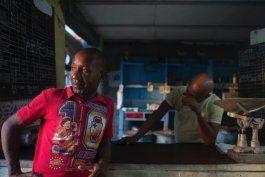 prensa oficialista en cuba promueve que los cubanos comercien como la comunidad primitiva