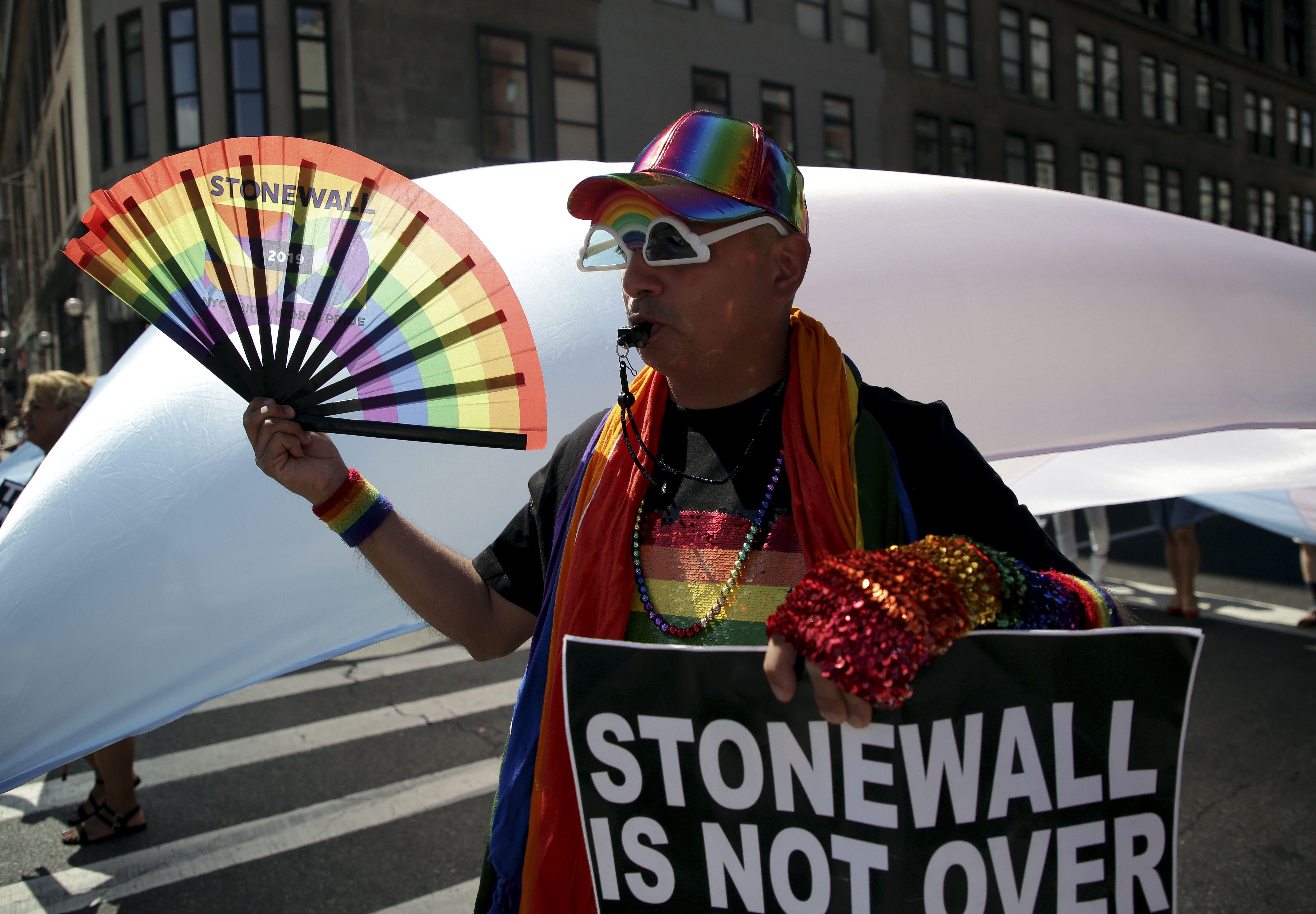 Desfile gay en NY es uno de los más grandes en la historia