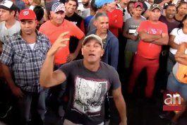 cientos de cubanos llegan a la frontera despues que una corte bloqueara el programa que retiene en mexico a los solicitantes de asilo