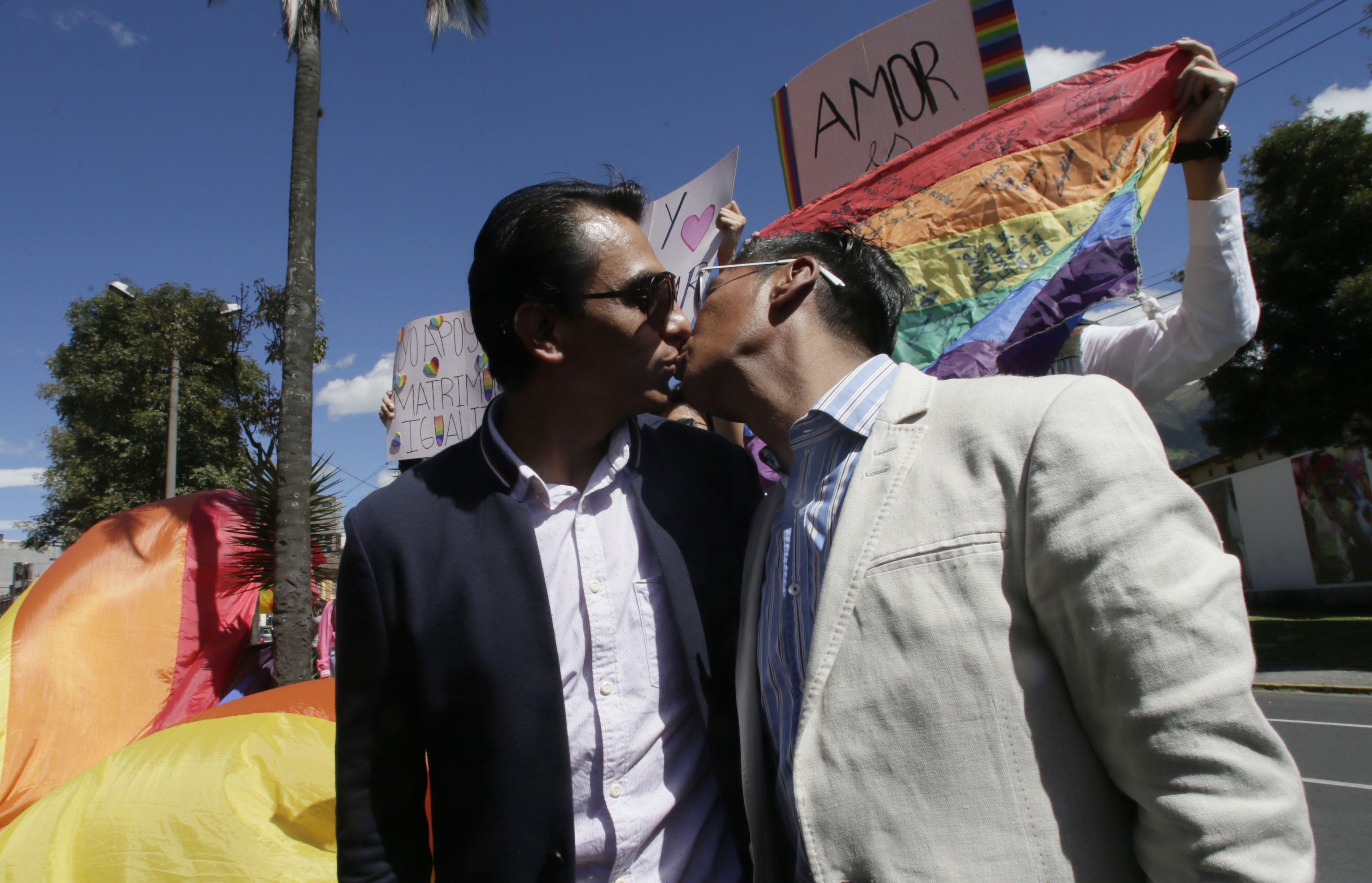 los gay se pueden casar en ecuador 2019