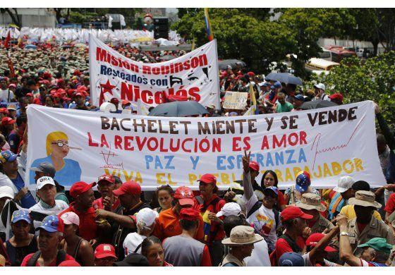 Venezuela detiene a dos elementos de seguridad de Guaidó