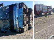 un omnibus yutong volcado en la autopista nacional de cuba deja 24 heridos