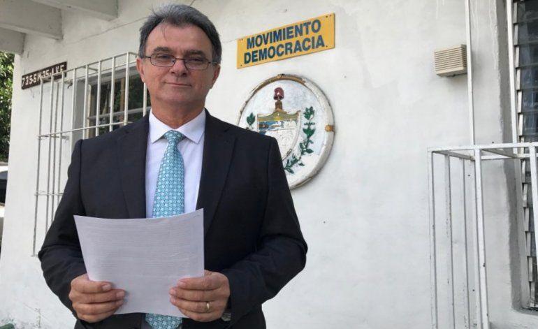 Departamento de Emigración le niega a Ramón Saúl Sánchez  el recurso de apelación para conseguir su residencia