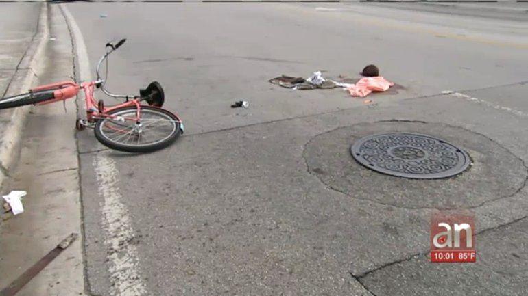 Dos hombres resultan heridos tras violenta pelea con un machete en una parada de autobús en Coconut Grove