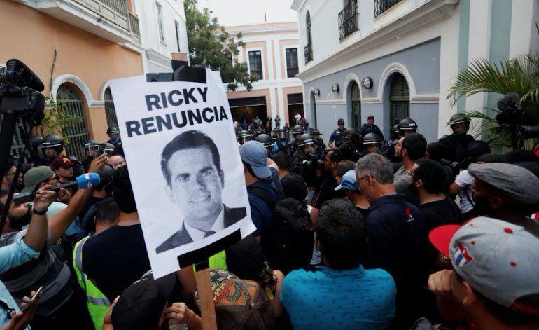 Gobernador de Puerto Rico no renunciará tras tormenta política en la isla