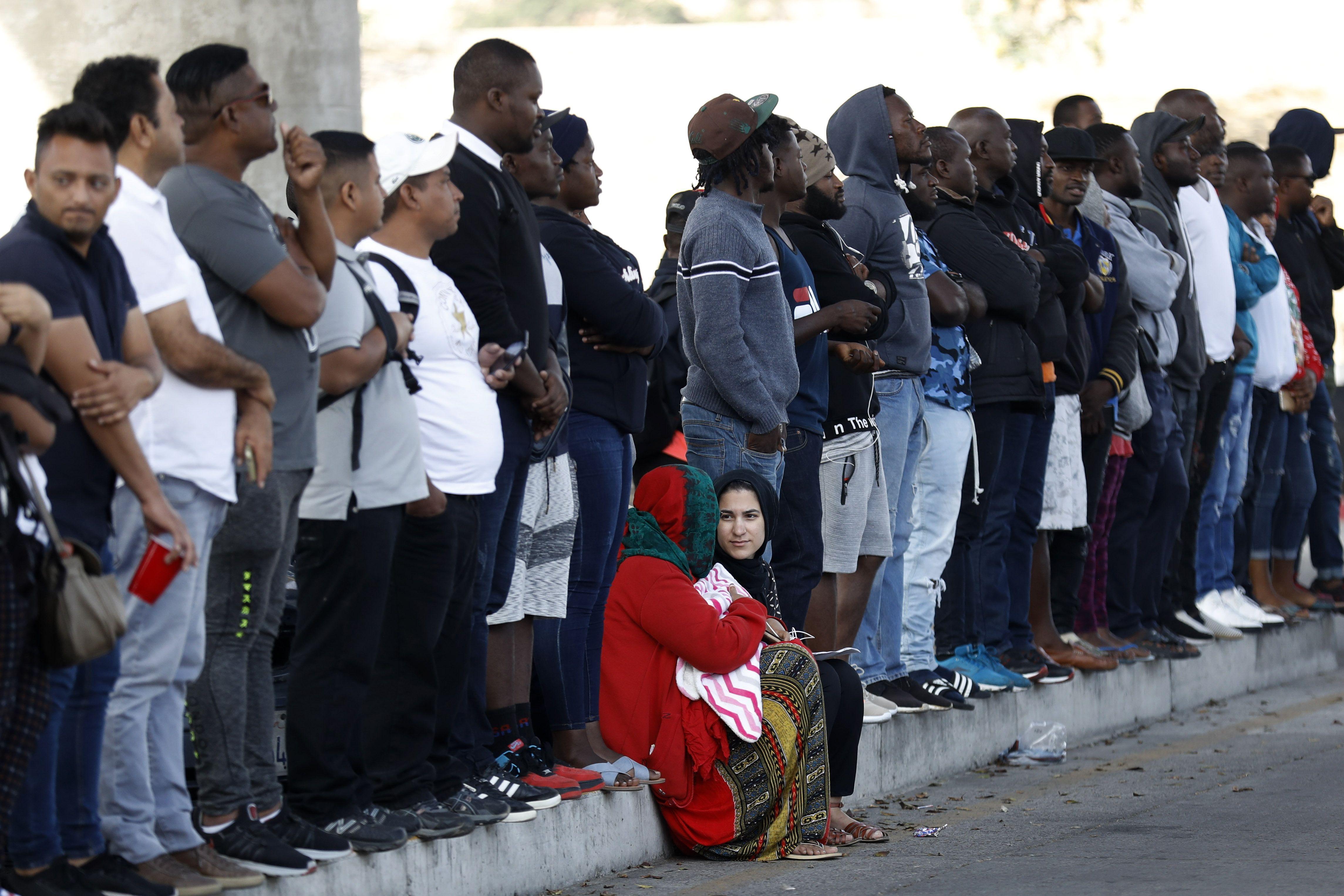 EEUU: Negar asilo podría agravar hacinamiento de migrantes