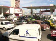 ¿se acabo la gasolina en cuba? imagenes muestran largas colas en varias gasolineras en la habana