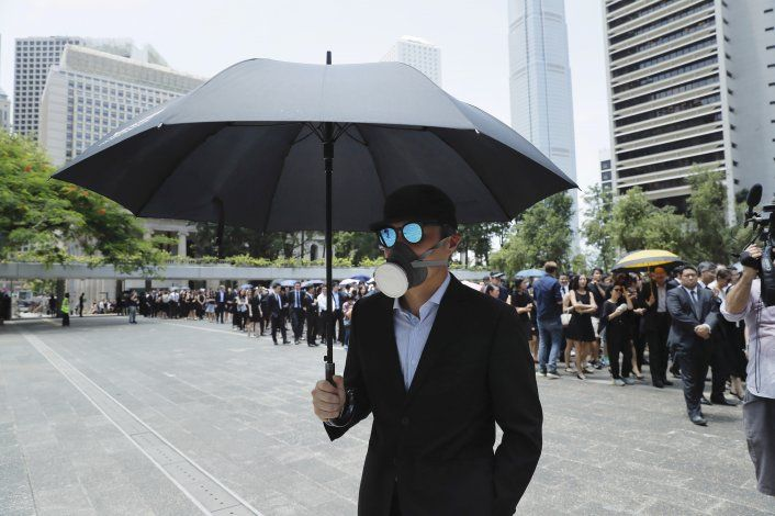 China alerta: Hong Kong sufre su peor crisis desde la cesión