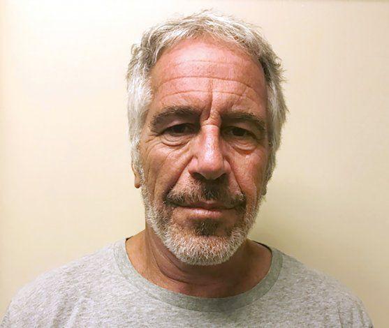 Empresario acusa a Epstein de malversar su dinero