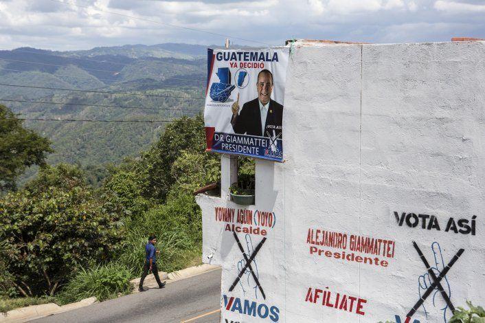 Guatemala elige presidente con temor a migración y pobreza