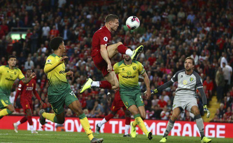 Liverpool golea a Norwich al arranque de la Premier