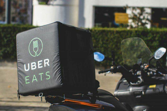Conductor de motocicleta atropellado en la Pequeña Habana mientras trabajaba para Uber Eats