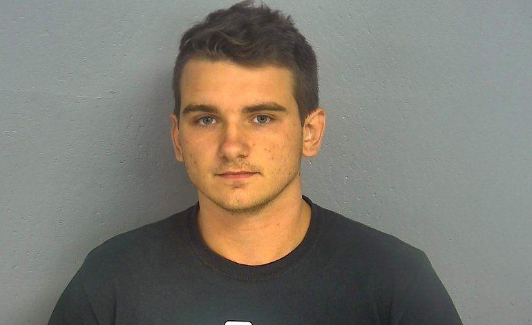 Missouri: Presentan cargos contra Joven armado en Walmart