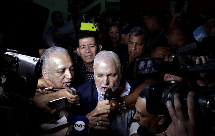Tribunal panameño declara inocente a expresidente Martinelli