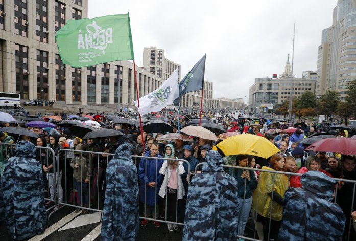 Decenas de miles asisten a protesta electoral en Moscú
