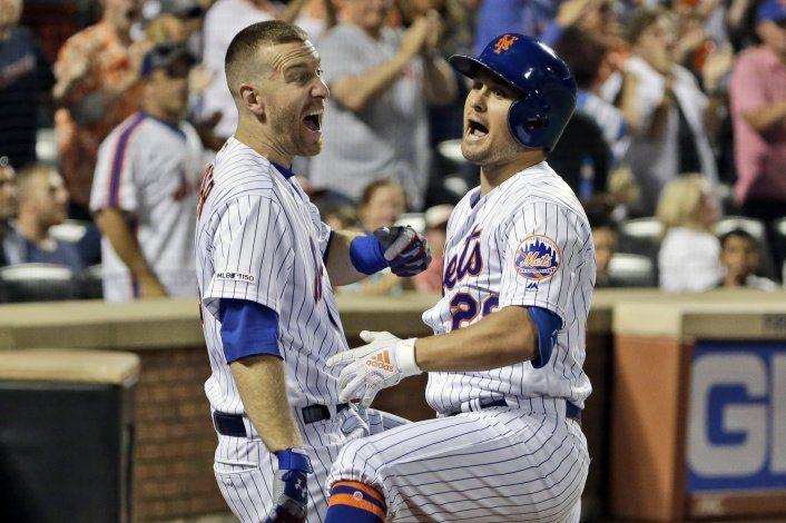 Mets doblegan 4-3 a Nats para su 8va victoria seguida
