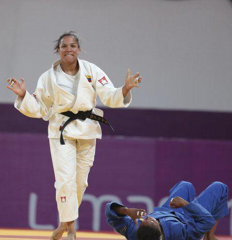 Venezolana Rodríguez vence a Alvear y logra oro en judo