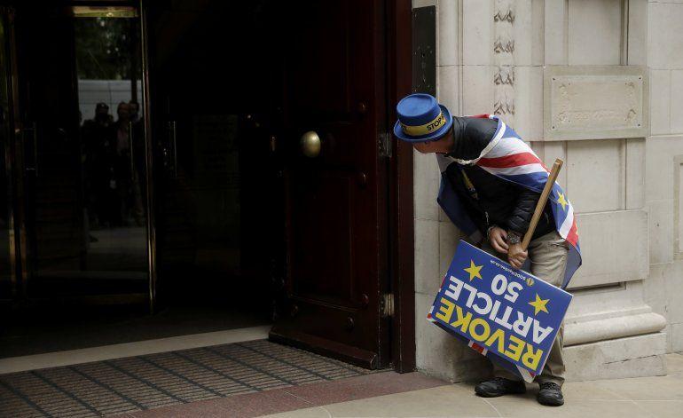 Opositores al Brexit dicen que nacionalismo puede debilitar