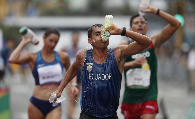 Ecuatoriano dedica oro en marcha a padre desaparecido