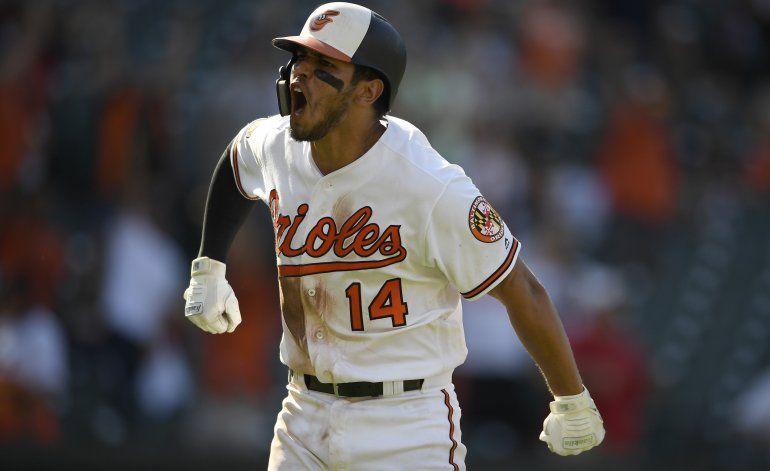 Con jonrón de Ruiz, Orioles dejan tendidos a Astros