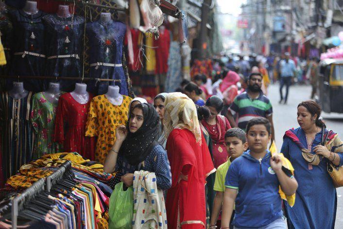 Tropas indias permiten asistencia a mezquitas en Cachemira