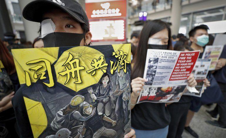 Protestas prodemocracia cierran el aeropuerto de Hong Kong