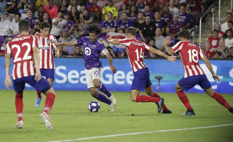 Líder ofensivo de LAFC, Vela sigue haciendo historia en MLS