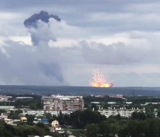 Rusia: Sepultan a ingenieros nucleares muertos en explosión