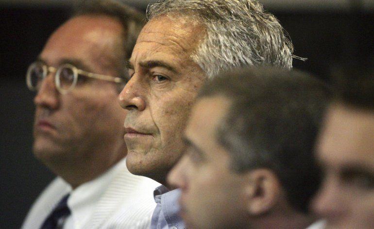 Surgen interrogantes sobre la supervisión de Epstein