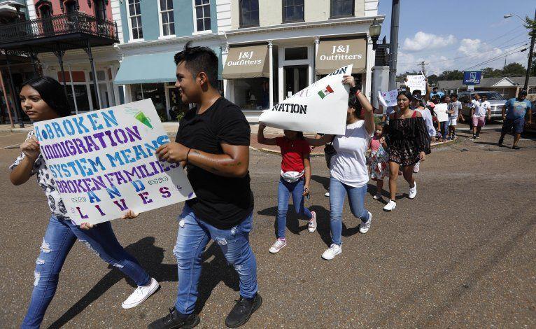 EEUU: Nuevas reglas negarían residencia a muchos inmigrantes