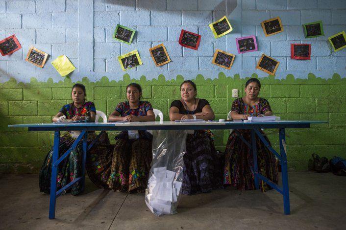 Pocos celebran victoria de Giammattei en Guatemala