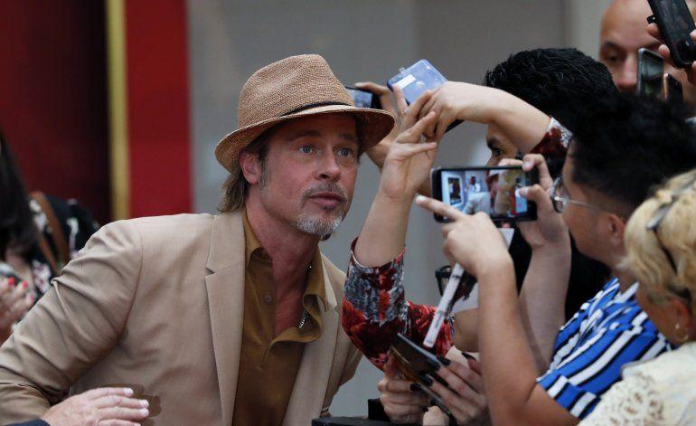 """Brad Pitt visita México para estreno de """"Once Upon a Time"""""""