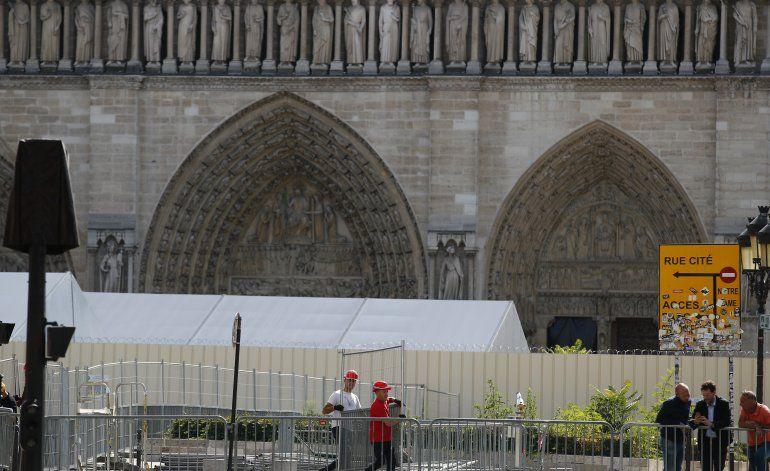 Descontaminarán de plomo calles aledañas a Notre Dame