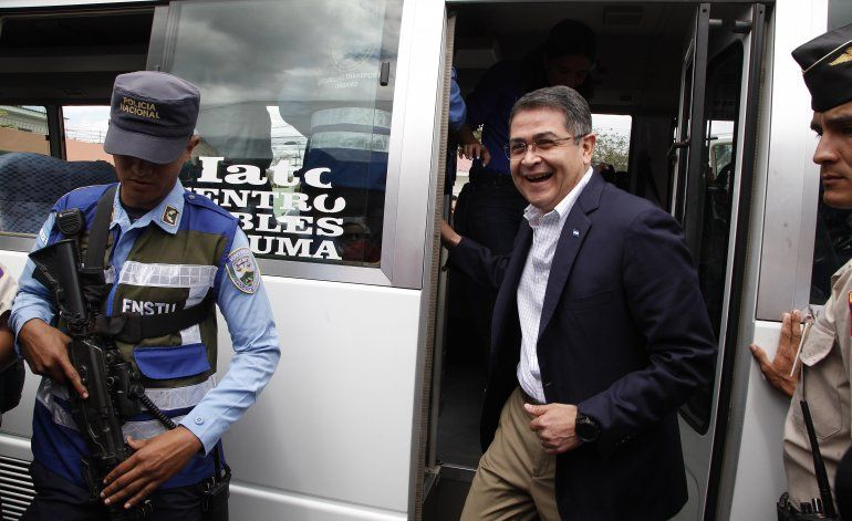 Presidente hondureño asegura que no enfrenta cargos en EEUU