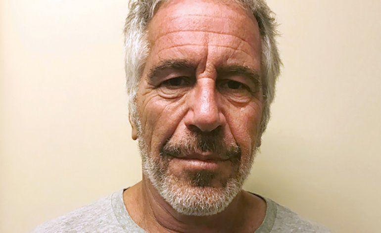 Guardias de Epstein sospechosos de falsificar bitácora
