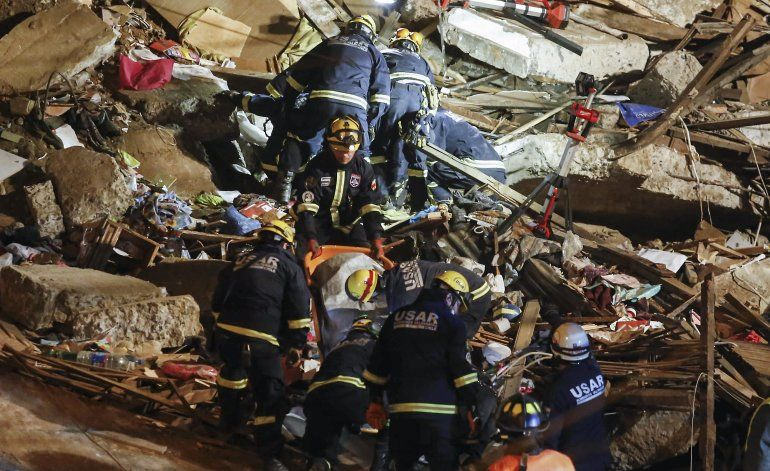 Seis muertos en derrumbe de una casa en puerto chileno