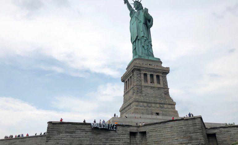 """Bienvenida de la Estatua de la Libertad es """"para europeos"""""""