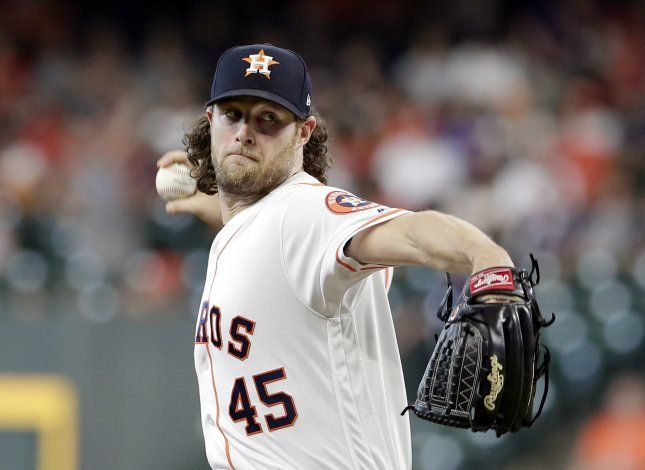 Astros: Cole aguarda resultados de pruebas en pierna derecha