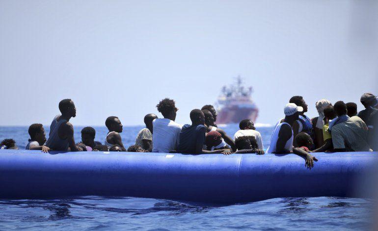 Tribunal italiano permite entrada de barco con migrantes