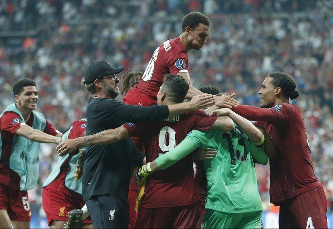 Liverpool vence en penales al Chelsea y gana la Supercopa
