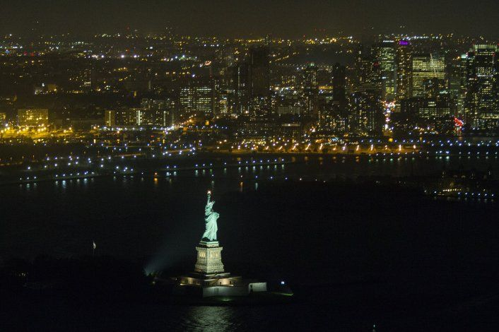 AP Fotos: La Dama Libertad como símbolo de inmigración