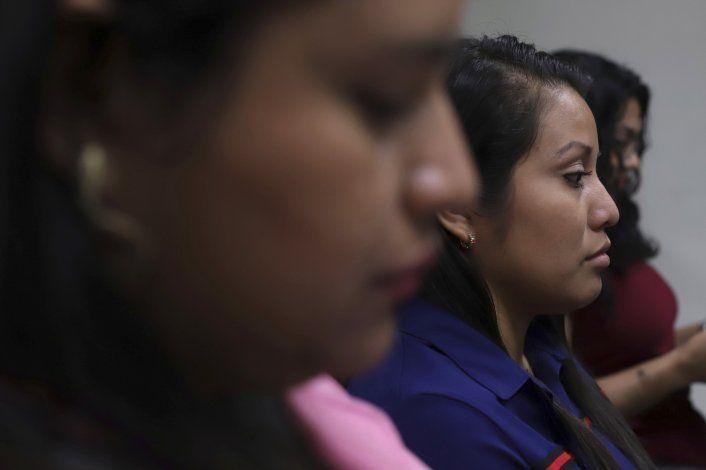 Alargan juicio a Salvadoreña acusada de aborto