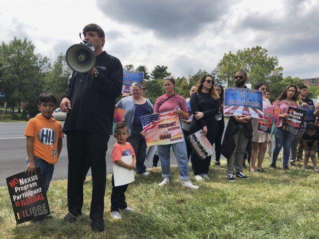 Acusan a afianzadora en Virginia de explotar a inmigrantes